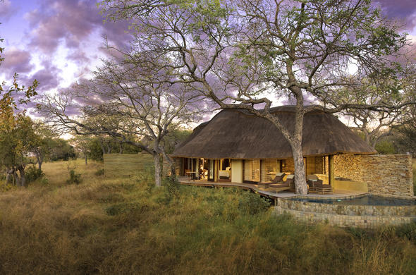 Makanyi Private Game Lodge exterior.
